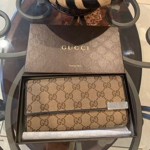 Authentic Gucci Wallet/ purse